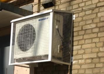 Особенности установки кондиционера на первом этаже